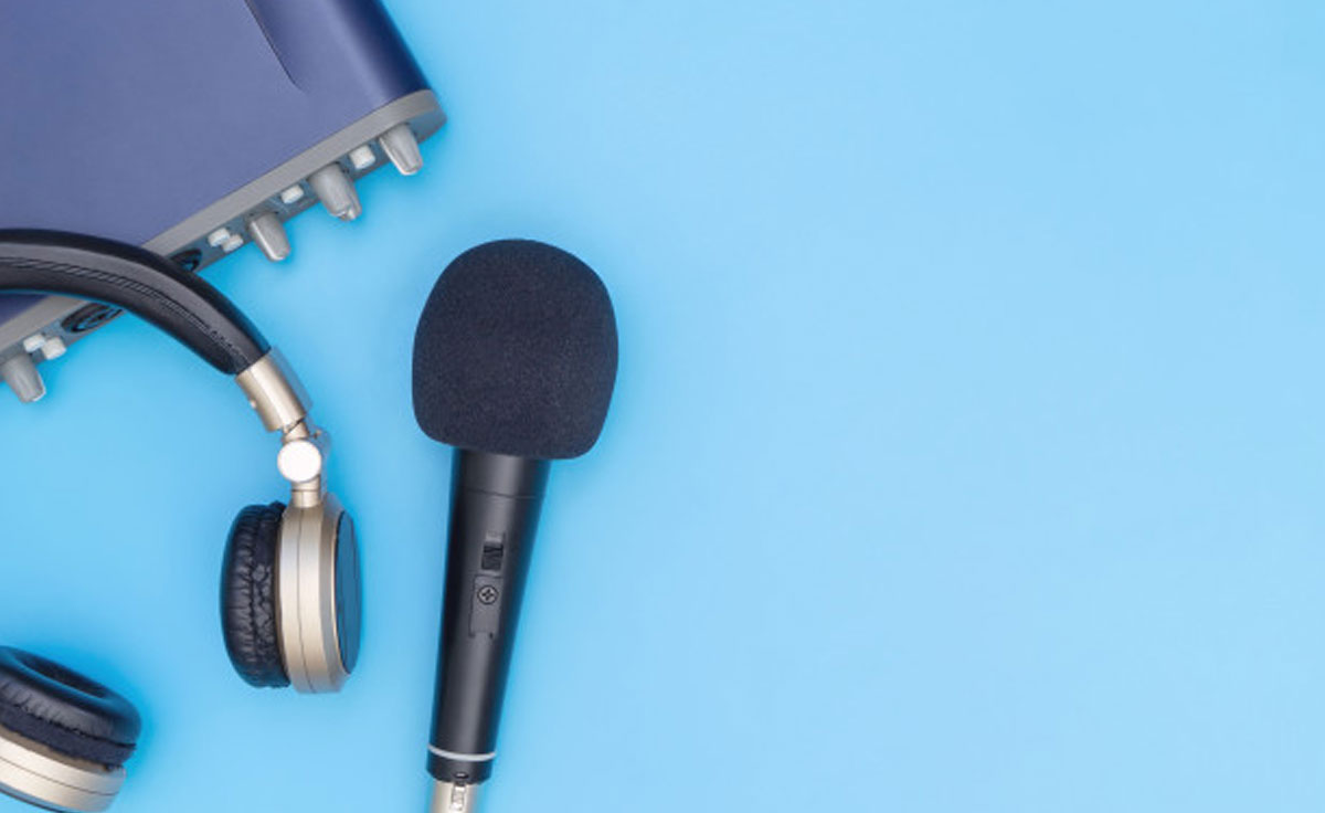 BUSINESS OWNERS SHOULD CONSIDER PODCASTING